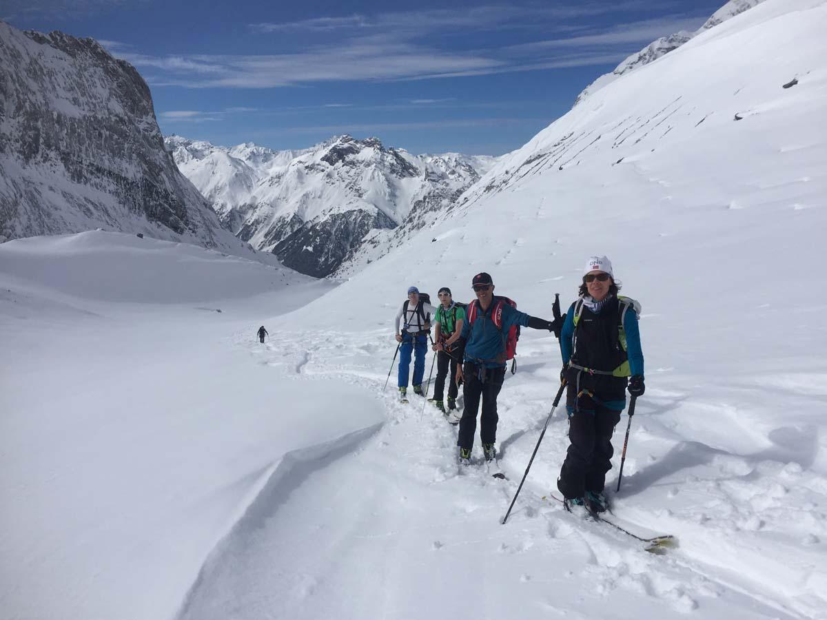 Ski de randonnée en journée ou en raid à skis